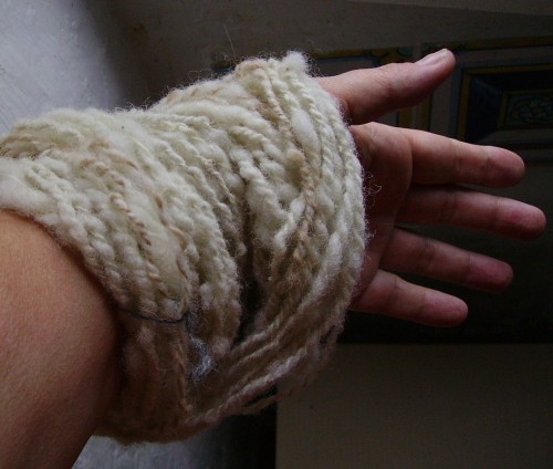 fuseau, filage, laine, carde, rouet, mohair, alpaga,plassard, saone, loire, maitre, fileur, filateur, filature,mouton, chevre, tricot, crochet,plassard, fonty, diffusion, made in creuse,