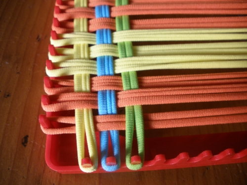 metier à tisser, carré, vintage, plastique rouge, square loom, loopers,  weawing loom, manique, cadeau , vintage,