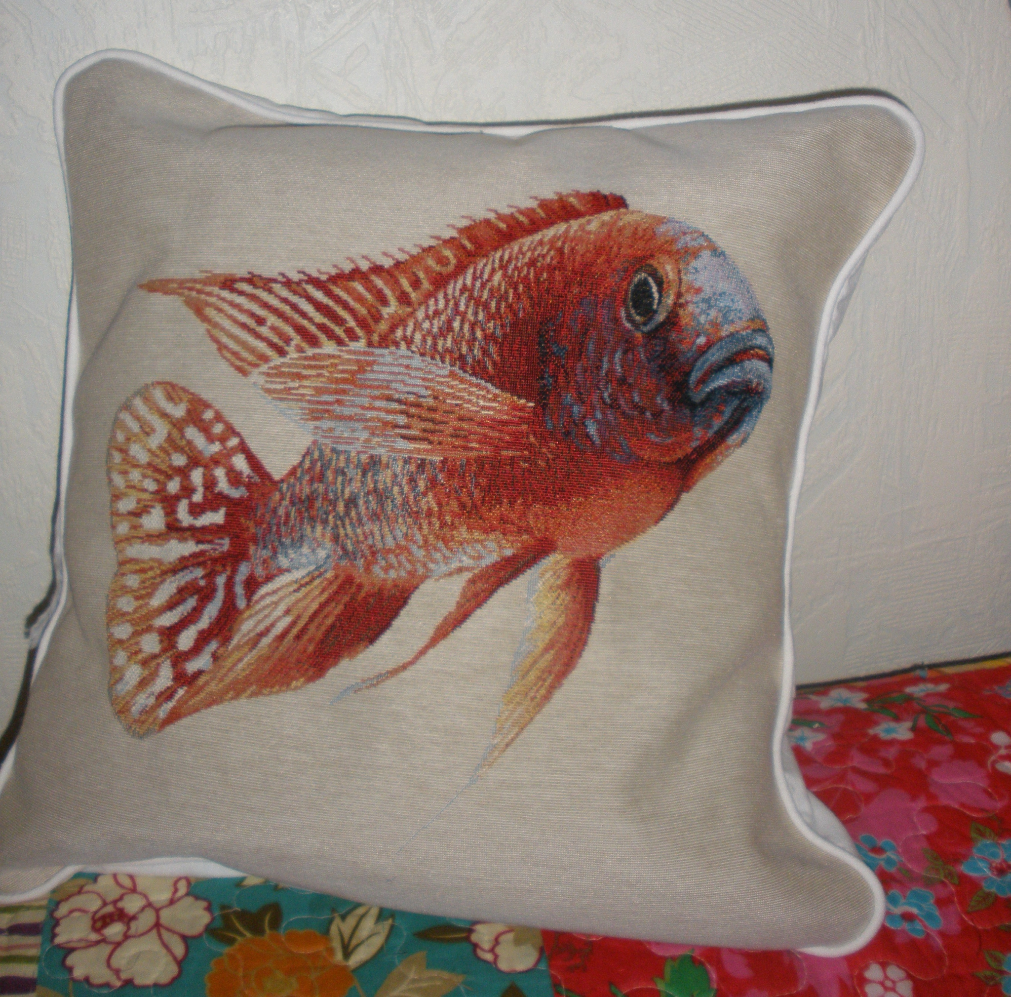 couture, passepoil, initiation, coussin,escargot, chat, poisson, canevas